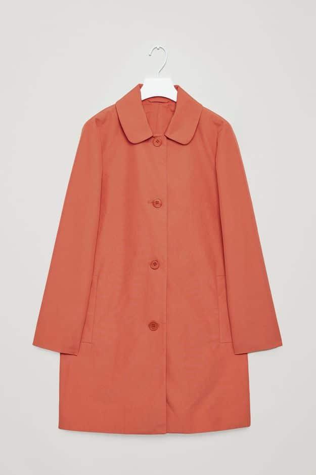 Manteau en coton, COS, 135 €.