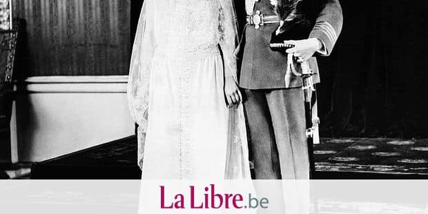 British Royalty. British Lady Elizabeth Bowes-Lyon (future Queen Mother), Prince George, Duke of York (future King George VI of England), on their wedding day, Buckingham Palace, London, England, April 26, 1923. Copyright: Reporters / Everett