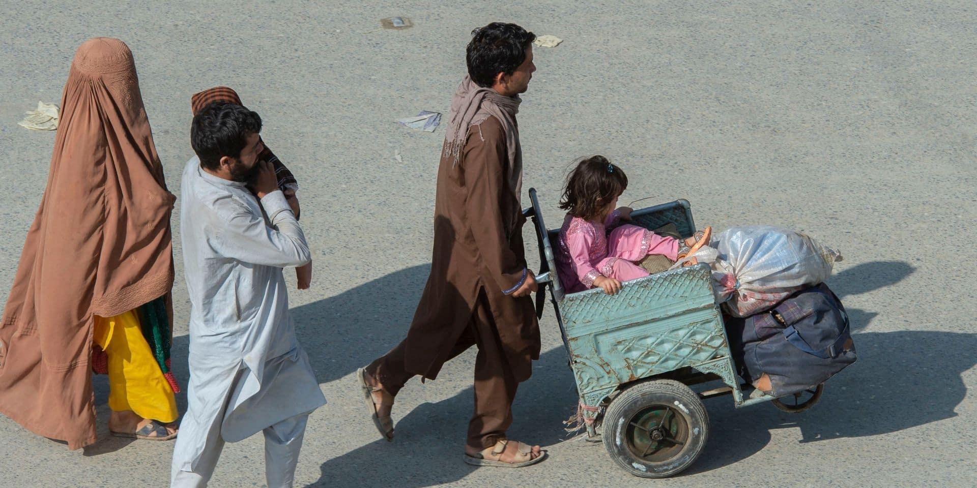 Explosion devant une école à Kaboul: le bilan s'élève à 50 morts