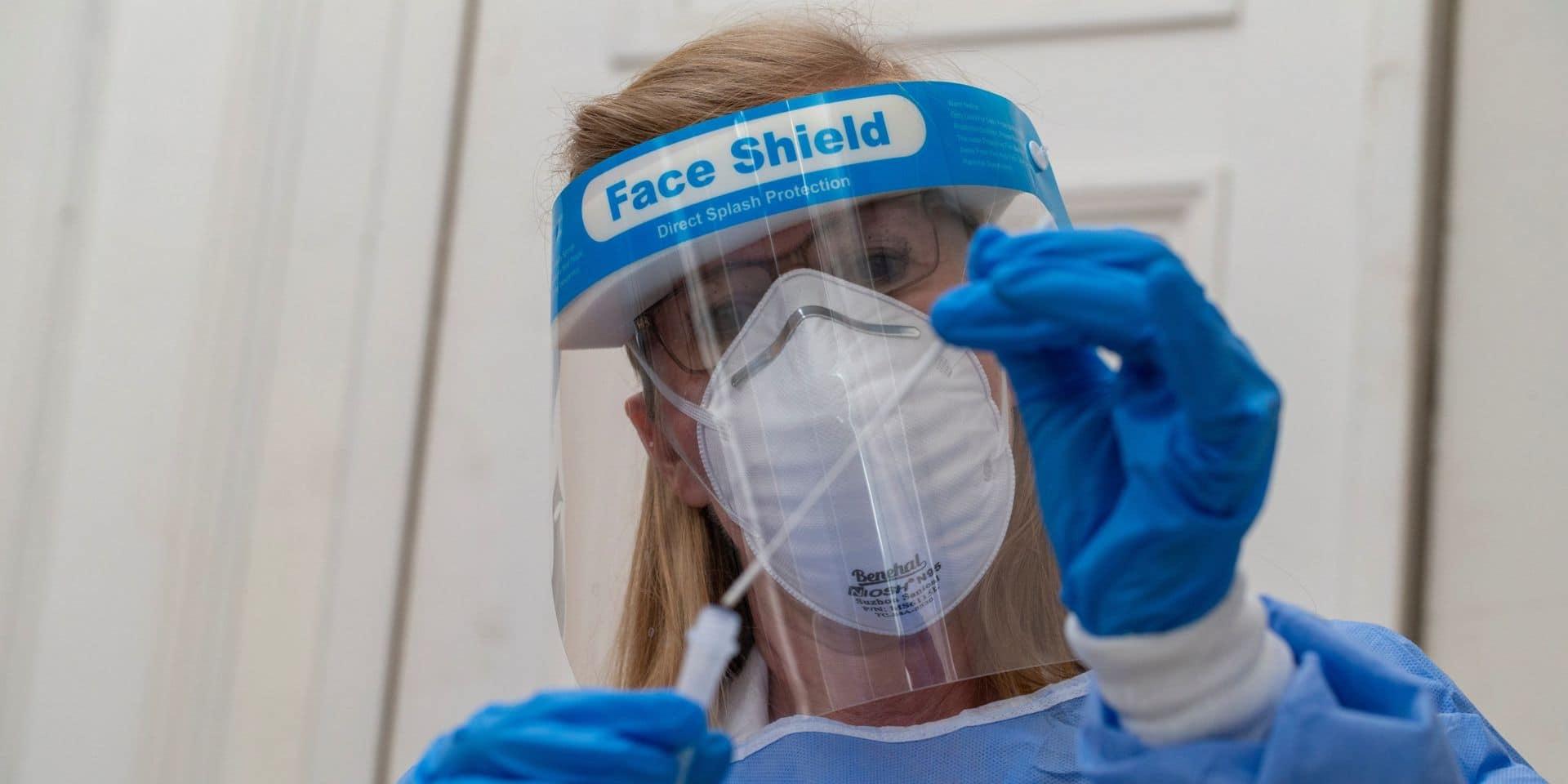 Coronavirus en Belgique: la moyenne des nouveaux cas en baisse, mais la pression reste accrue sur les soins intensifs