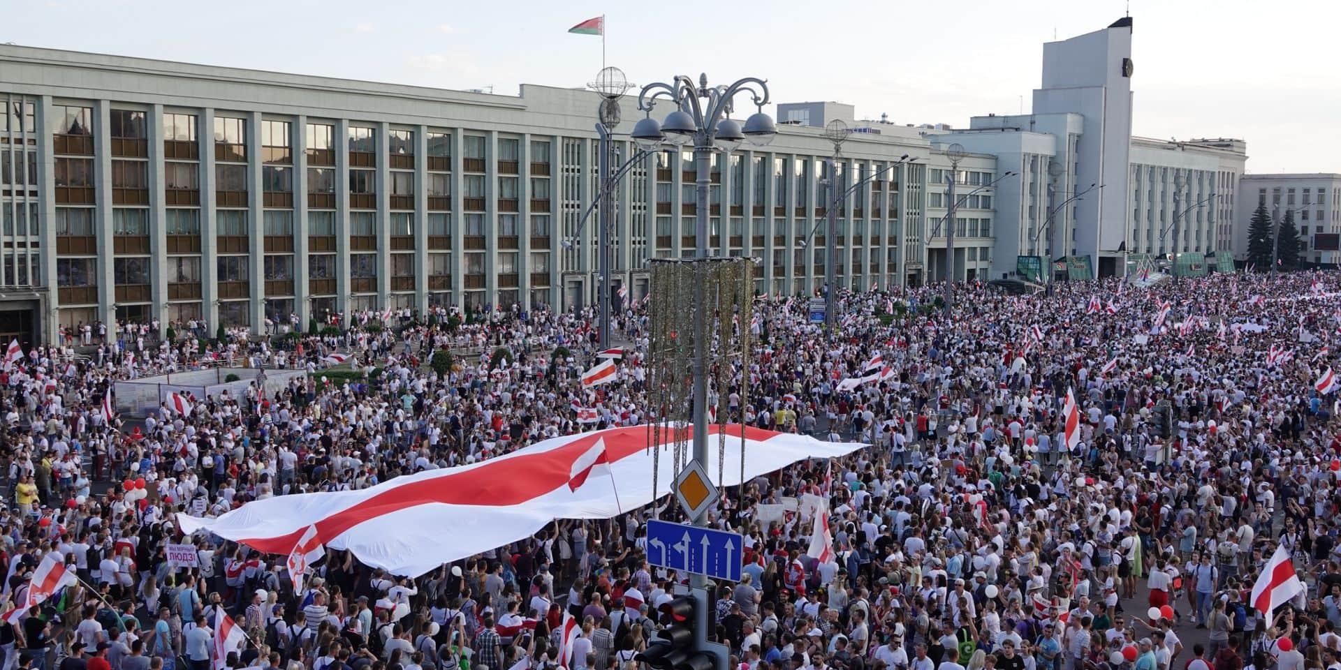 """""""L'Europe doit aider la société civile et dire de façon claire et nette à la Russie de ne pas se mêler des affaires de la Biélorussie"""""""