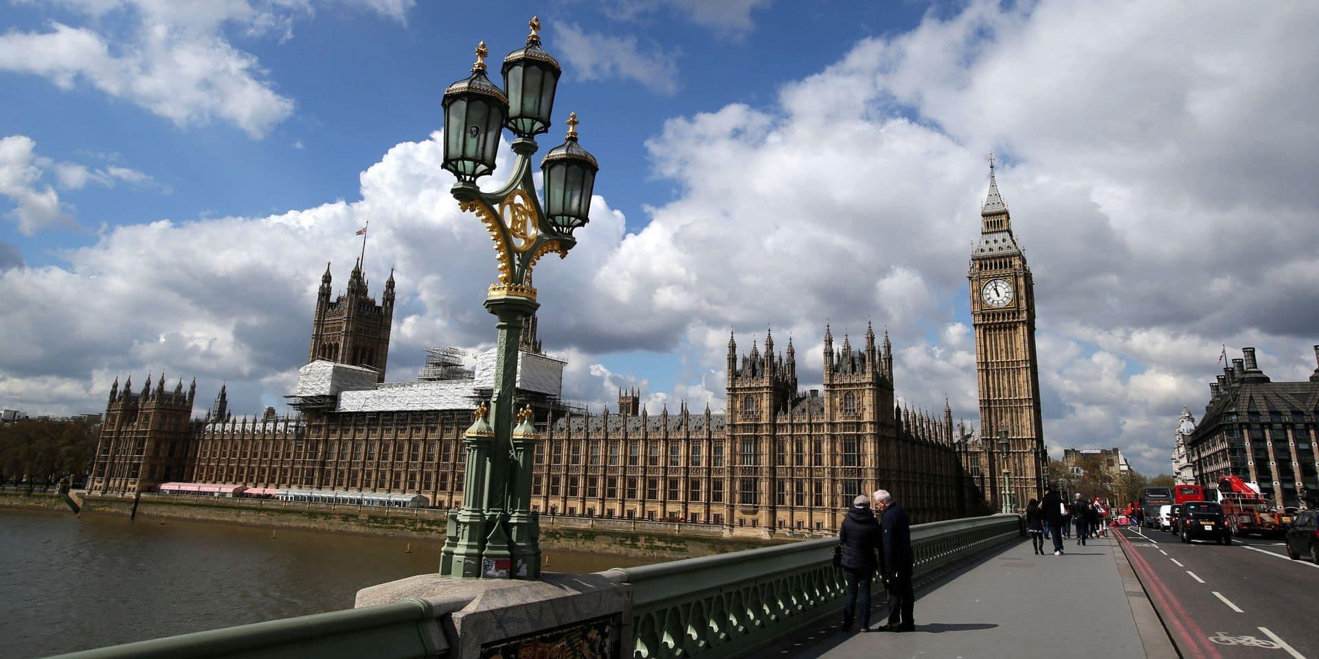 Un Britannique dépense l'héritage de son fils pour... contester une amende