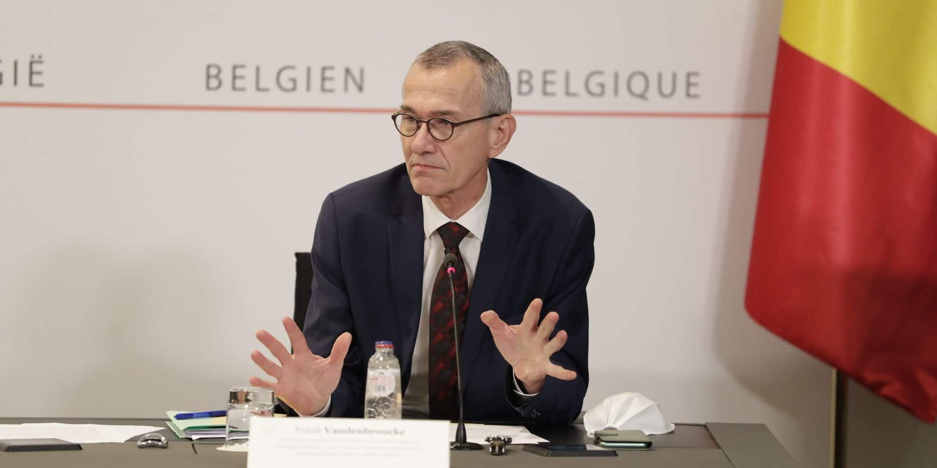 """Le """"Prof Vandenbroucke"""" a fait plier les ministres-Présidents sur la fermeture de l'Horeca"""