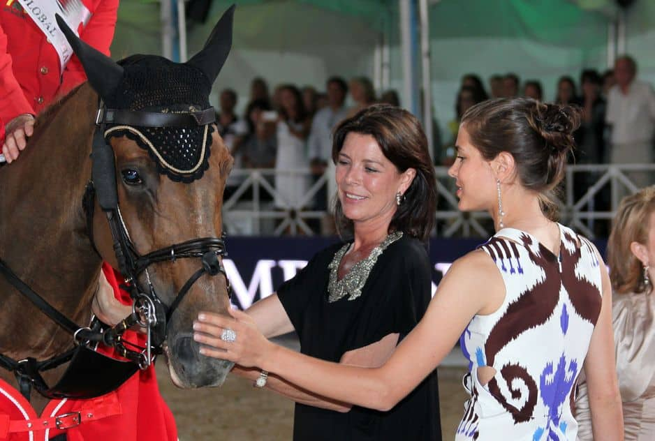 Mère et fille partagent leur passion pour l'équitation