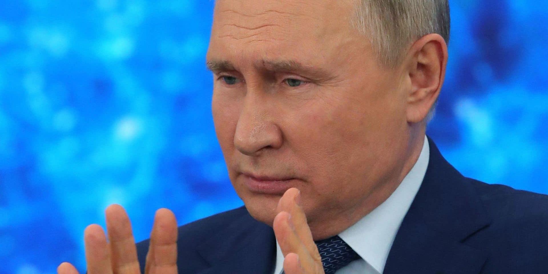 """Par rapport aux Occidentaux, les Russes sont """"doux et câlins"""", selon Poutine"""