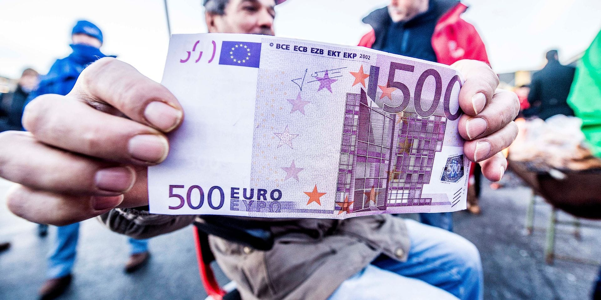 Mais où restent planqués ces fameux billets de 500 euros, à la réputation sulfureuse ?