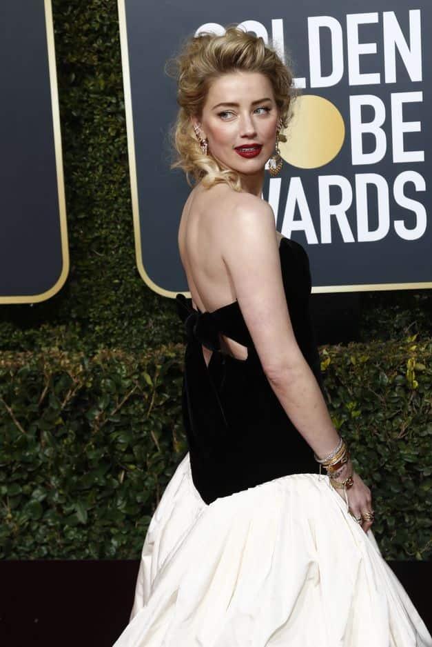 Amber Heard avait choisi une robe Monique Lhuillier