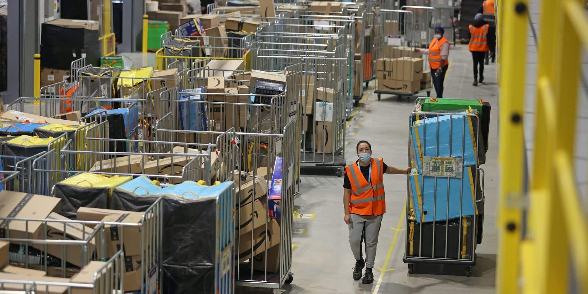 Amazon augmente le salaire de près d'un demi-million d'employés