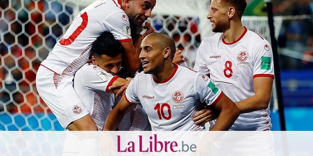 Tunisia's Wahbi Khazri (10) celebrates with his teammates after scoring his side's second goal during the group G match between Panama and Tunisia at the 2018 soccer World Cup at the Mordovia Arena in Saransk, Russia, Thursday, June 28, 2018. (AP Photo/Darko Bandic)