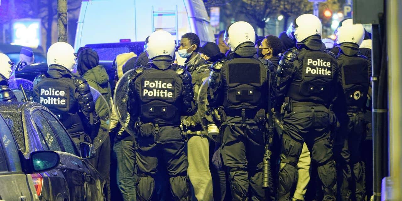 """Fort recul des libertés en 2020 dans le monde: la Belgique figure dans la catégorie des """"démocraties défaillantes"""""""