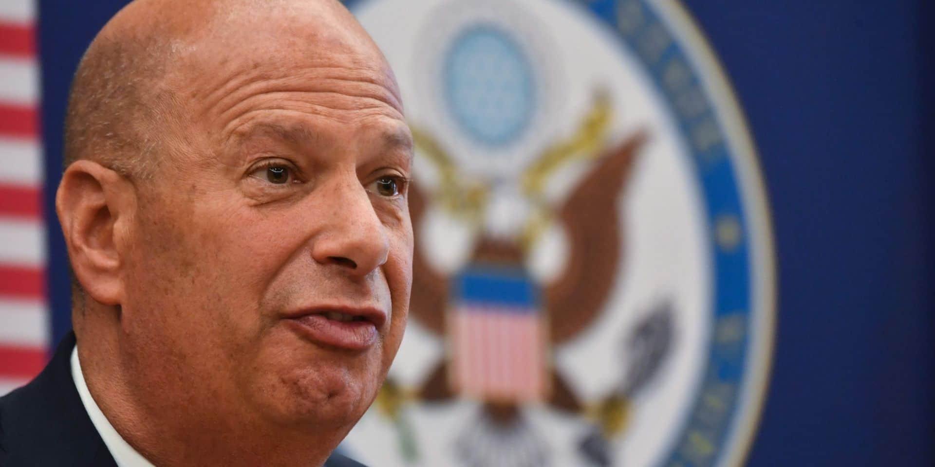 Procédure de destitution de Trump: un ambassadeur américain témoignera malgré l'interdiction de l'exécutif