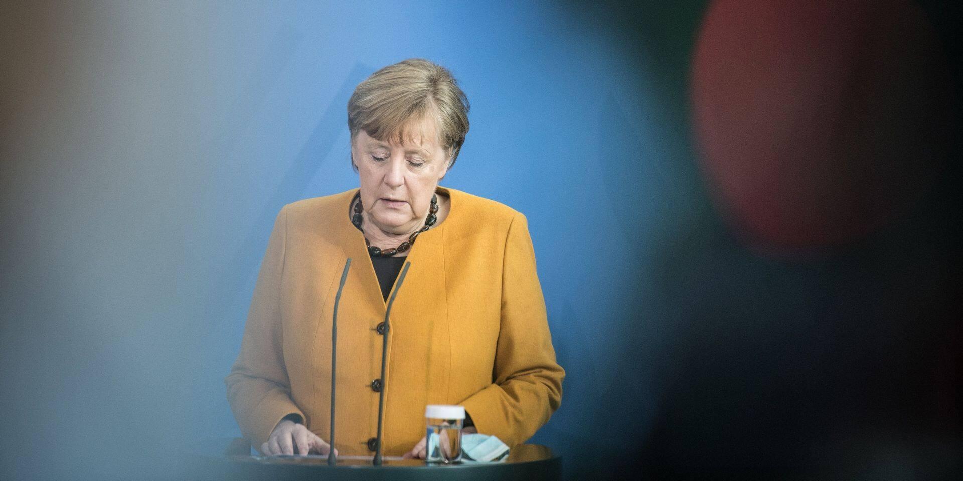 """Face au """"chaos"""", Angela Merkel fait marche arrière et annule une mesure: """"C'est un désastre pour elle et pour la politique allemande"""""""