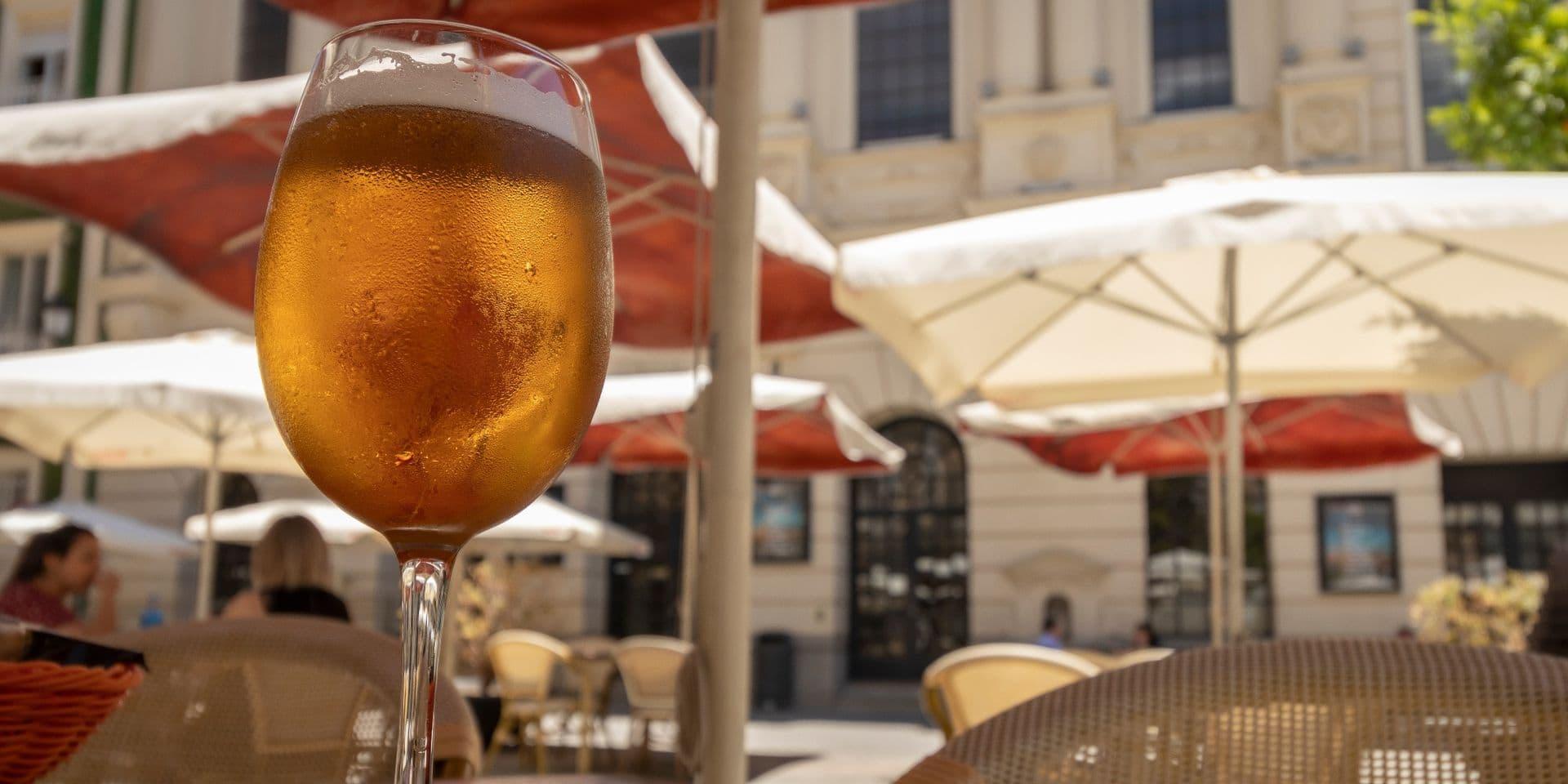 Le prix des boissons pourrait grimper à la réouverture des terrasses, le 8 mai