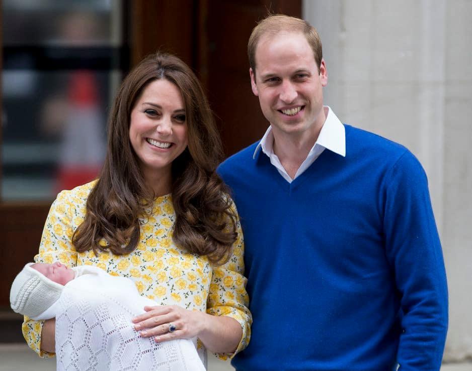 La princesse Charlotte de Cambridge voit le jour le 2 mai 2015 à la Lindo Wing de la clinique St Mary à Londres.