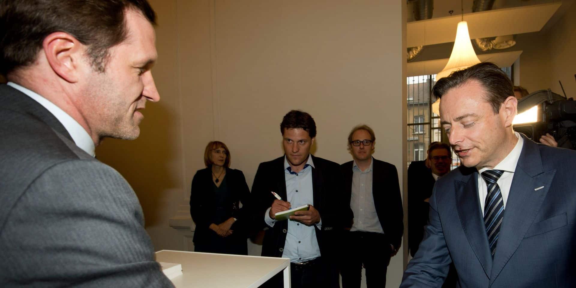 Formation fédérale: Magnette a rencontré De Wever samedi soir