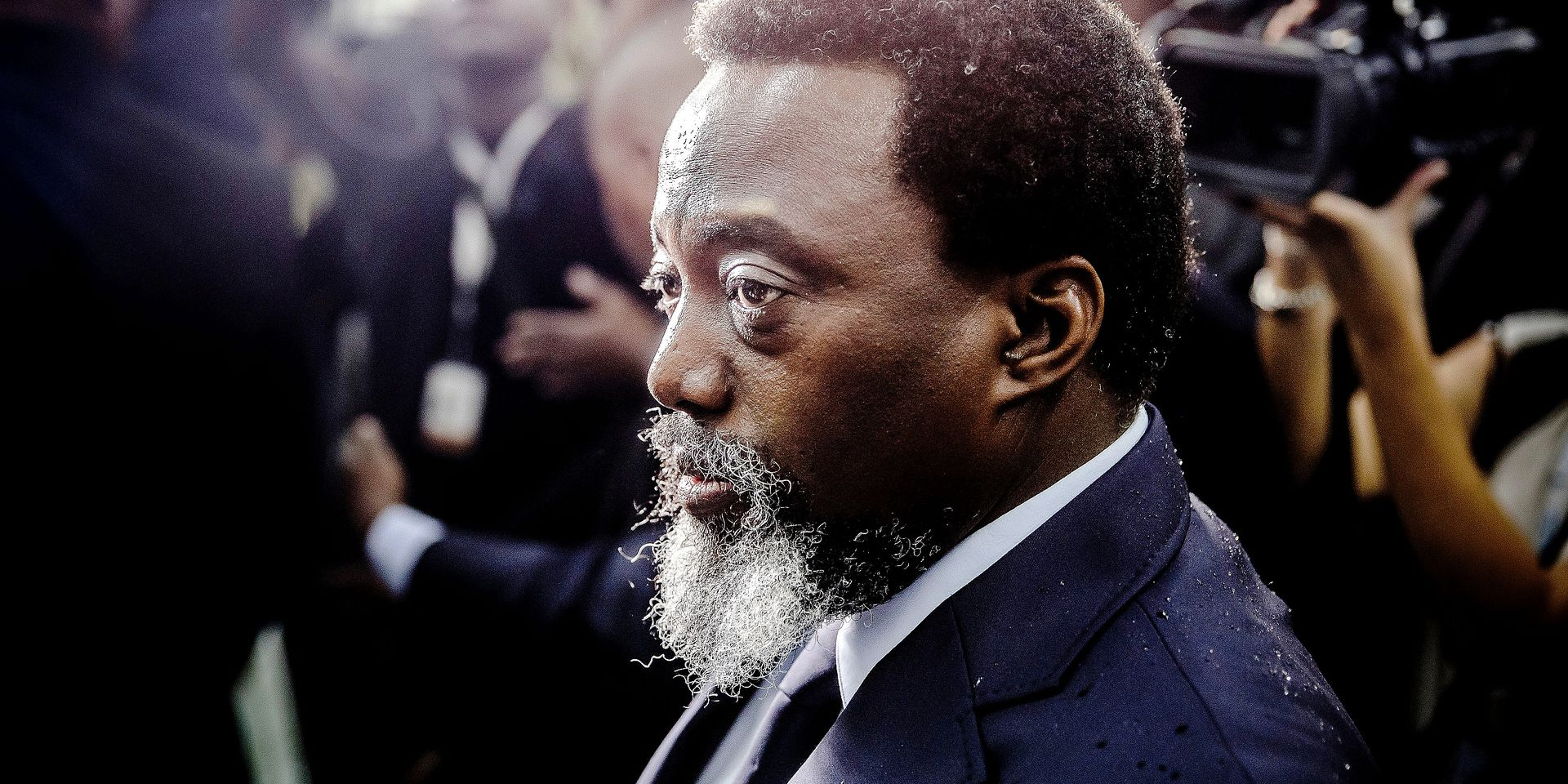 President of the Democratic Republic of Congo Joseph Kabila arrives at the Insititut de la Gombe polling station to cast his vote during general elections in Kinshasa on December 30, 2018. - Voters in the Democratic Republic of Congo went to the polls on December 30 in elections that will shape the future of their vast, troubled country, amid fears that violence could overshadow the ballot. (Photo by Luis TATO / AFP)