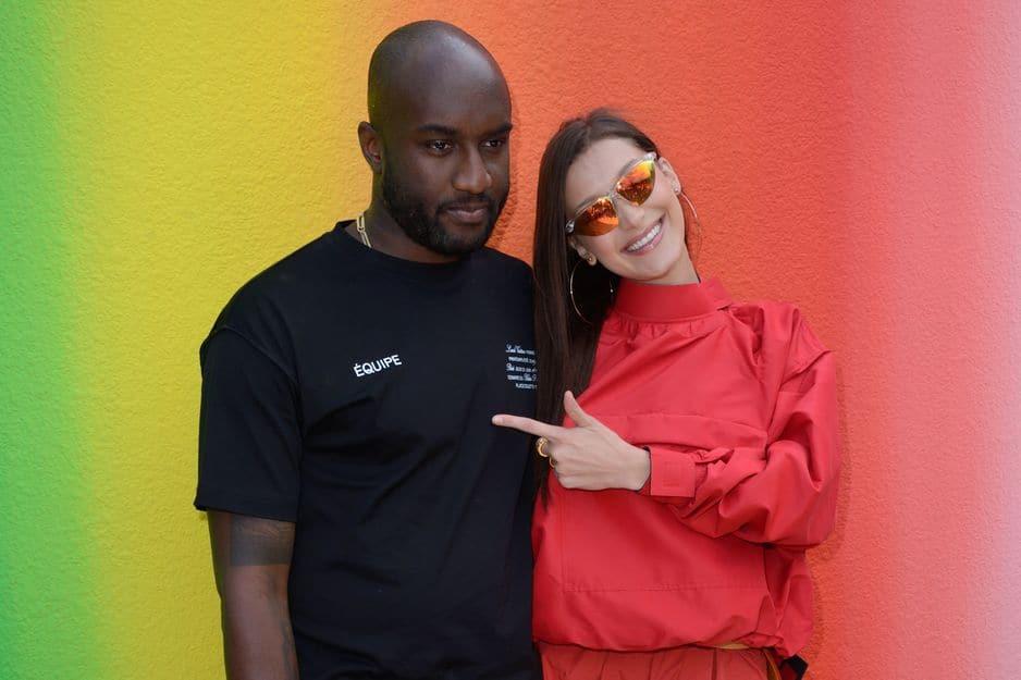 Bella Hadid tout sourire avec le nouveau directeur artistique de Louis Vuitton Homme