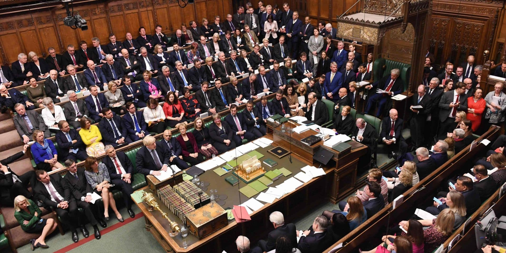 Les députés britanniques reportent leur décision sur l'accord de Brexit