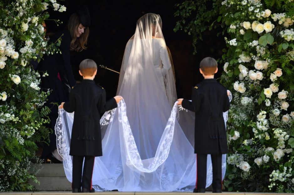 Meghan Markle a jeté son dévolu sur une robe Givenchy signée Clare Waight Keller.