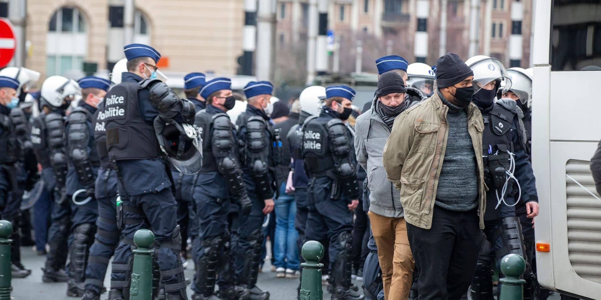 Manifestation contre les mesures Covid à Bruxelles: 330 personnes sur 488 ont été emmenées au commissariat