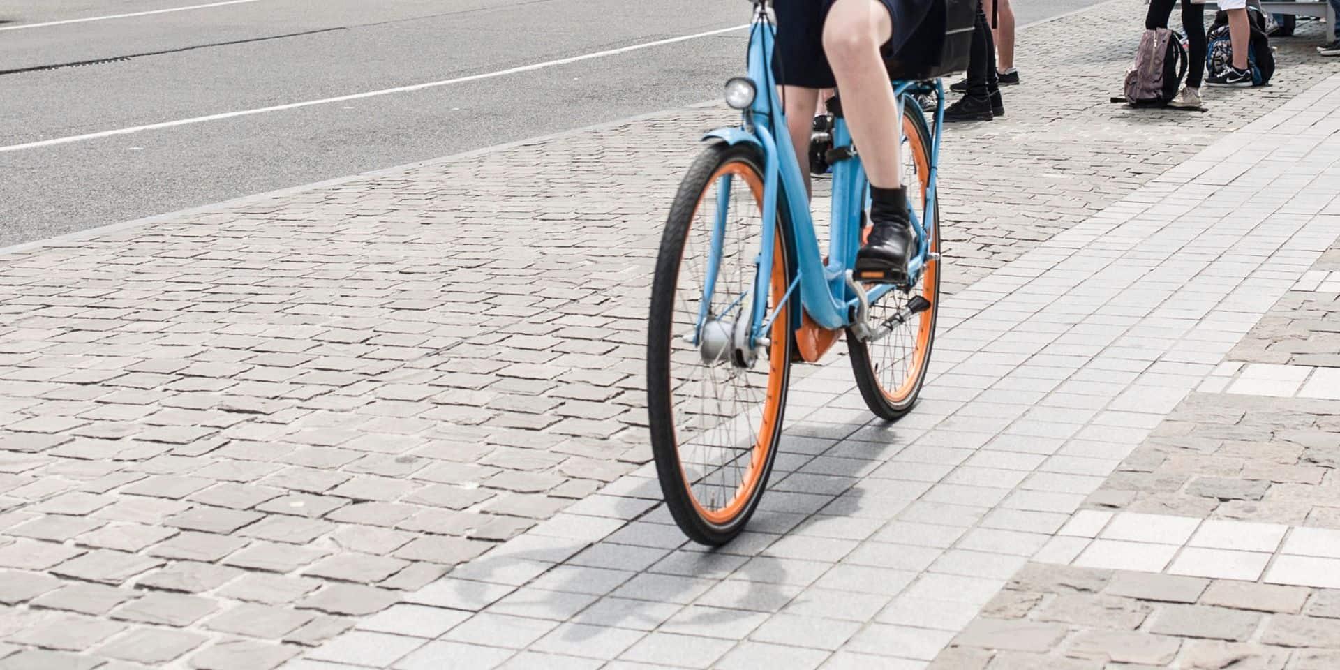 """Dans quatre accidents de vélo sur cinq, aucune voiture n'est impliquée: """"Les potelets sont très dangereux"""""""