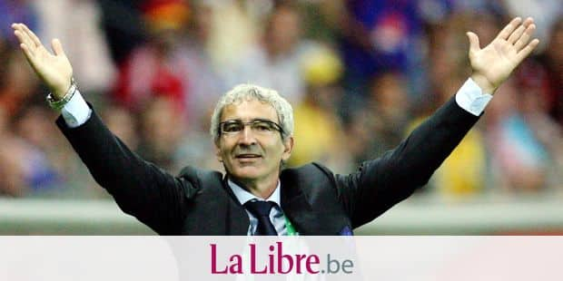 epa00760491 French coach Raymond Domenech celebrates his teams' 1-0 victory against Brazil during the quarter final match of the 2006 FIFA World Cup between Brazil and France in Frankfurt, Germany, Saturday 01 July 2006. EPA/BERND WEISSBROD+++ Mobile Services OUT +++ Please also refer to FIFA's Terms and Conditions.