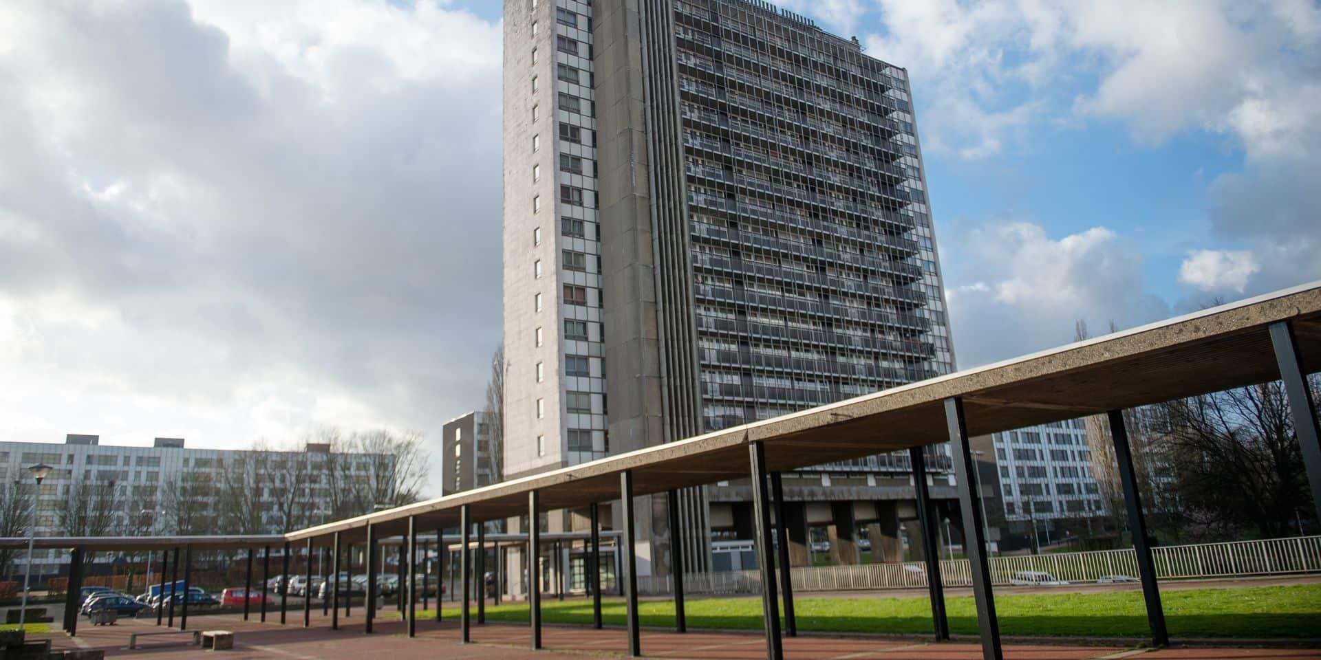 Des policiers ciblés par des jets de projectiles à la Cité Modèle de Laeken