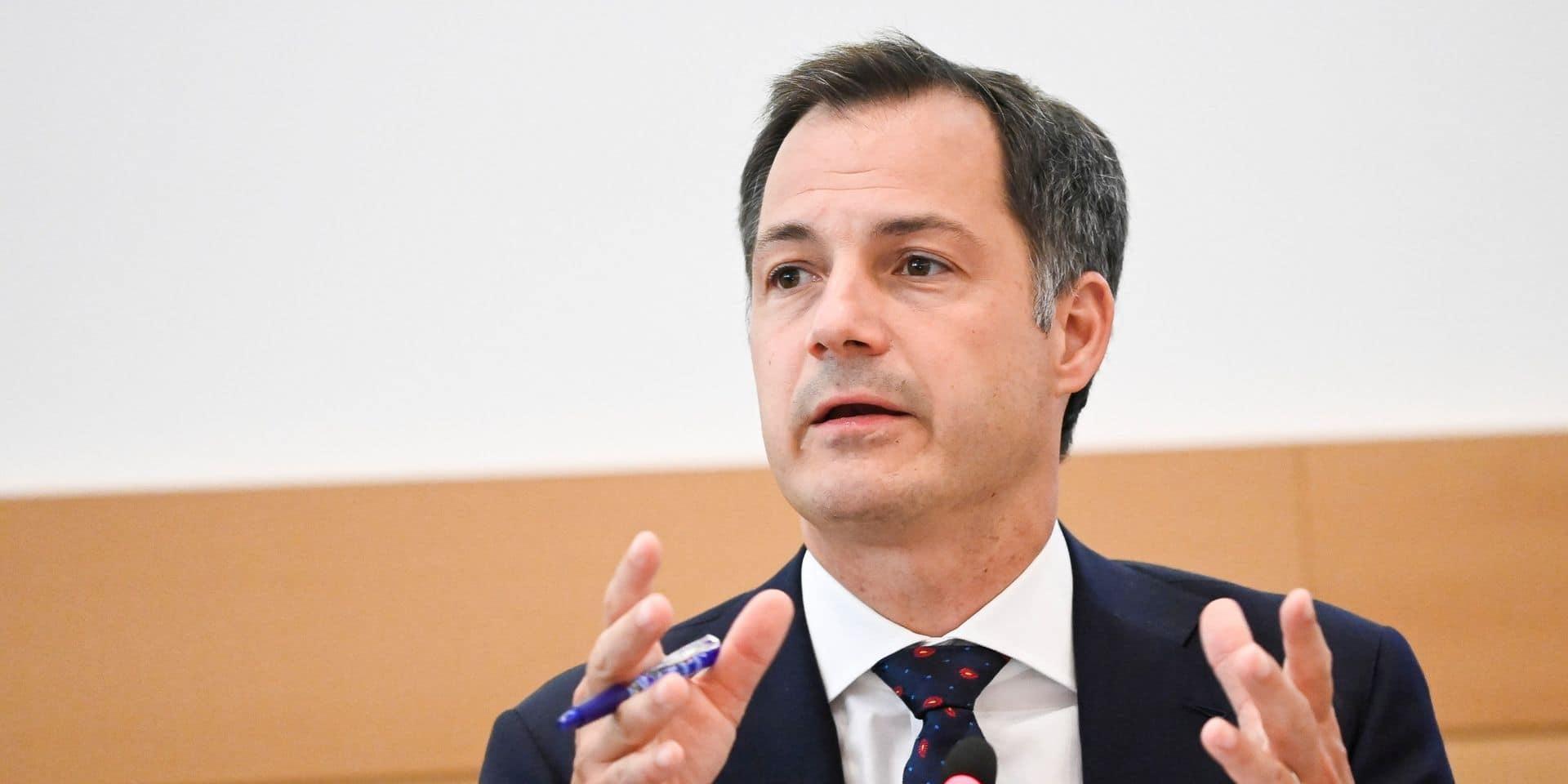 Signes convictionnels: l'opposition demande à De Croo de revenir à la Chambre pour s'expliquer