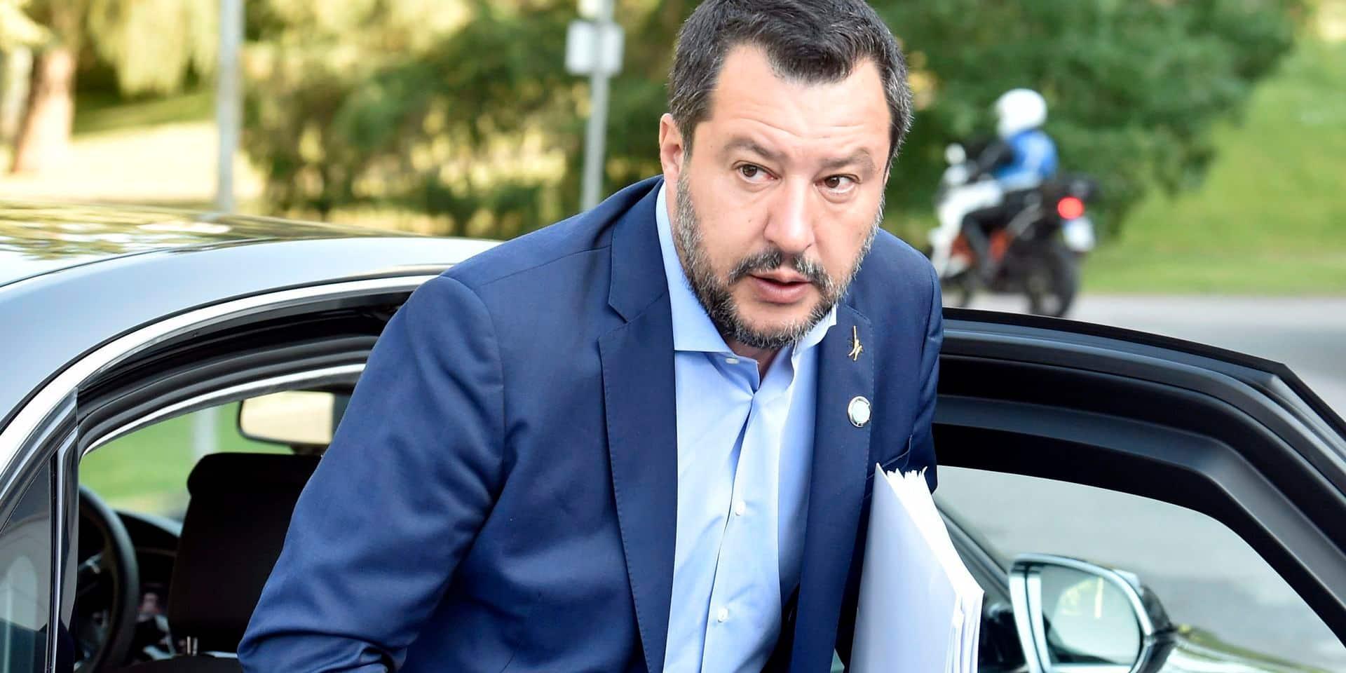 Salvini réclame des élections anticipées, une décision brutale qui plonge l'Italie dans l'incertitude