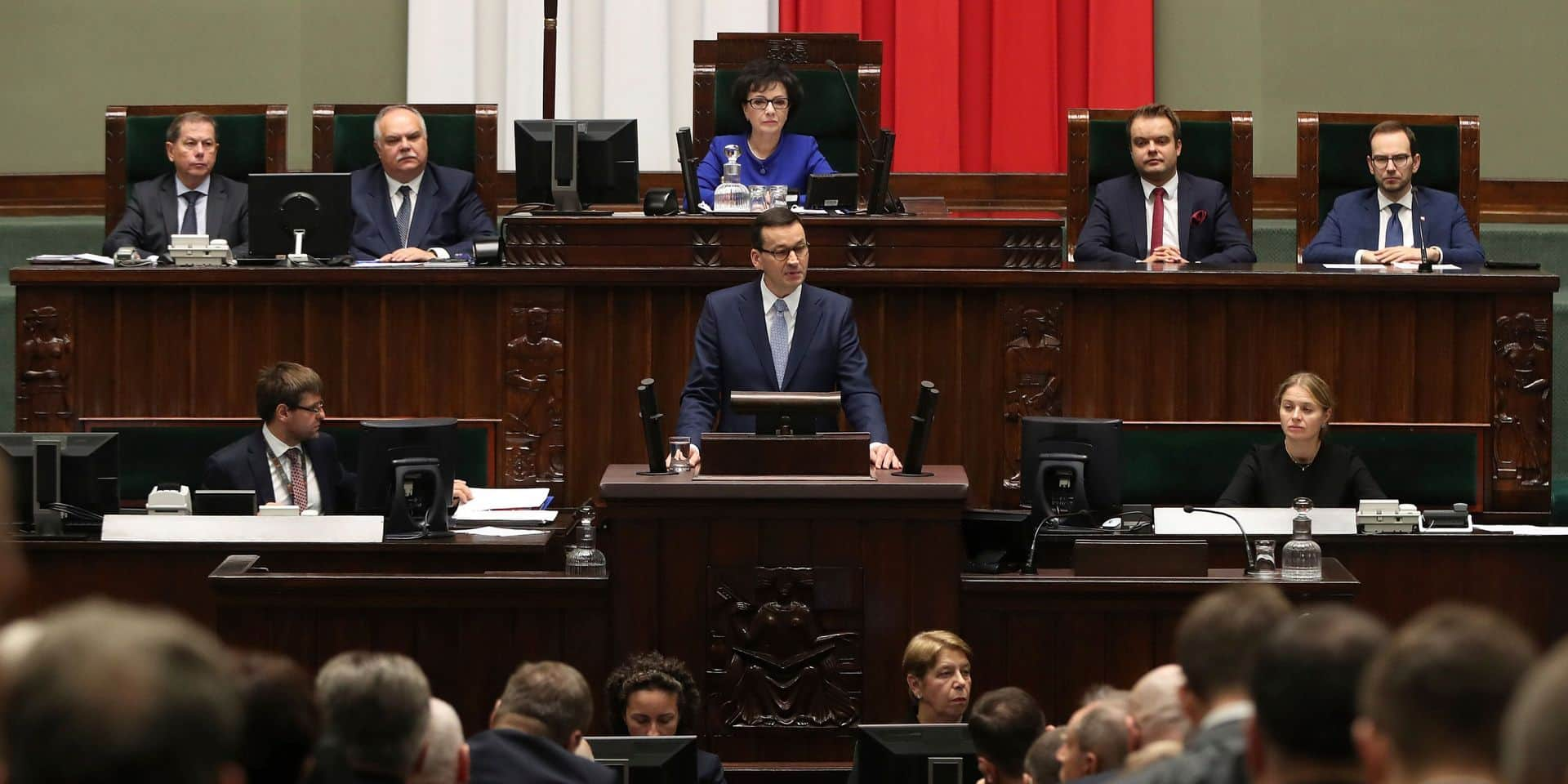 """Etat de droit en Pologne : """"L'Europe a donné la dynamite aux tribunaux polonais pour attaquer les réformes du gouvernement"""""""