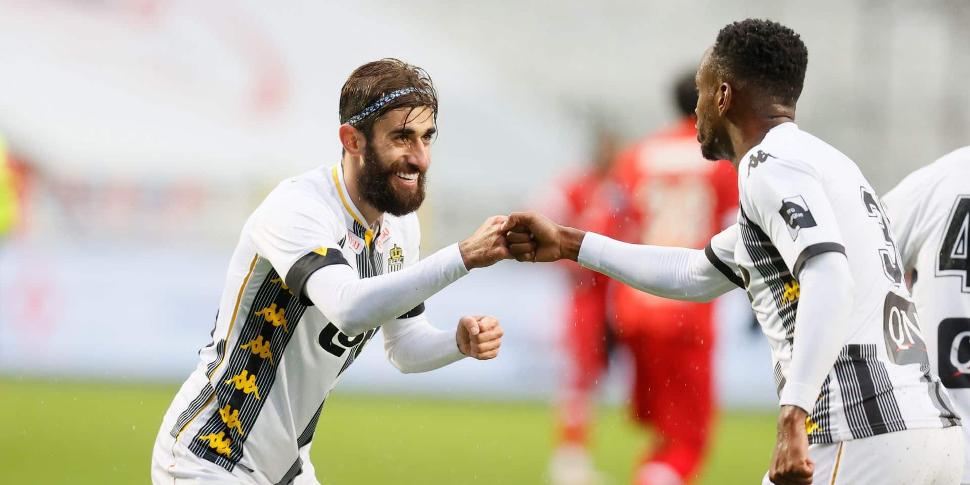 Charleroi s'incline face à de solides Ostendais (3-2)