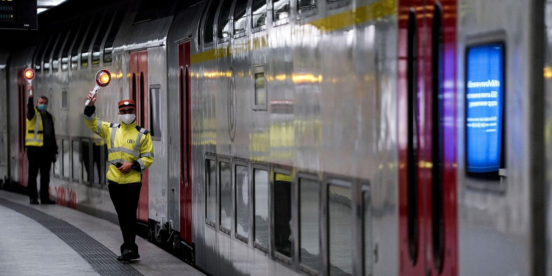 Les associations de navetteurs et Test Achats demandent le retour des trains P et des remboursements pour certains titres de transport