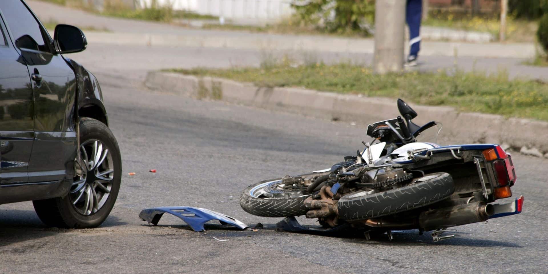 Un jeune cyclomotoriste perd la vie dans le Tournaisis
