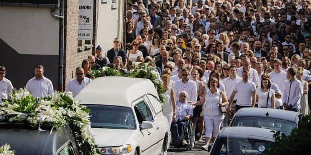Tuerie de Liège: plusieurs centaines de personnes rendent un dernier hommage à Cyril, abattu par le tireur - La Libre