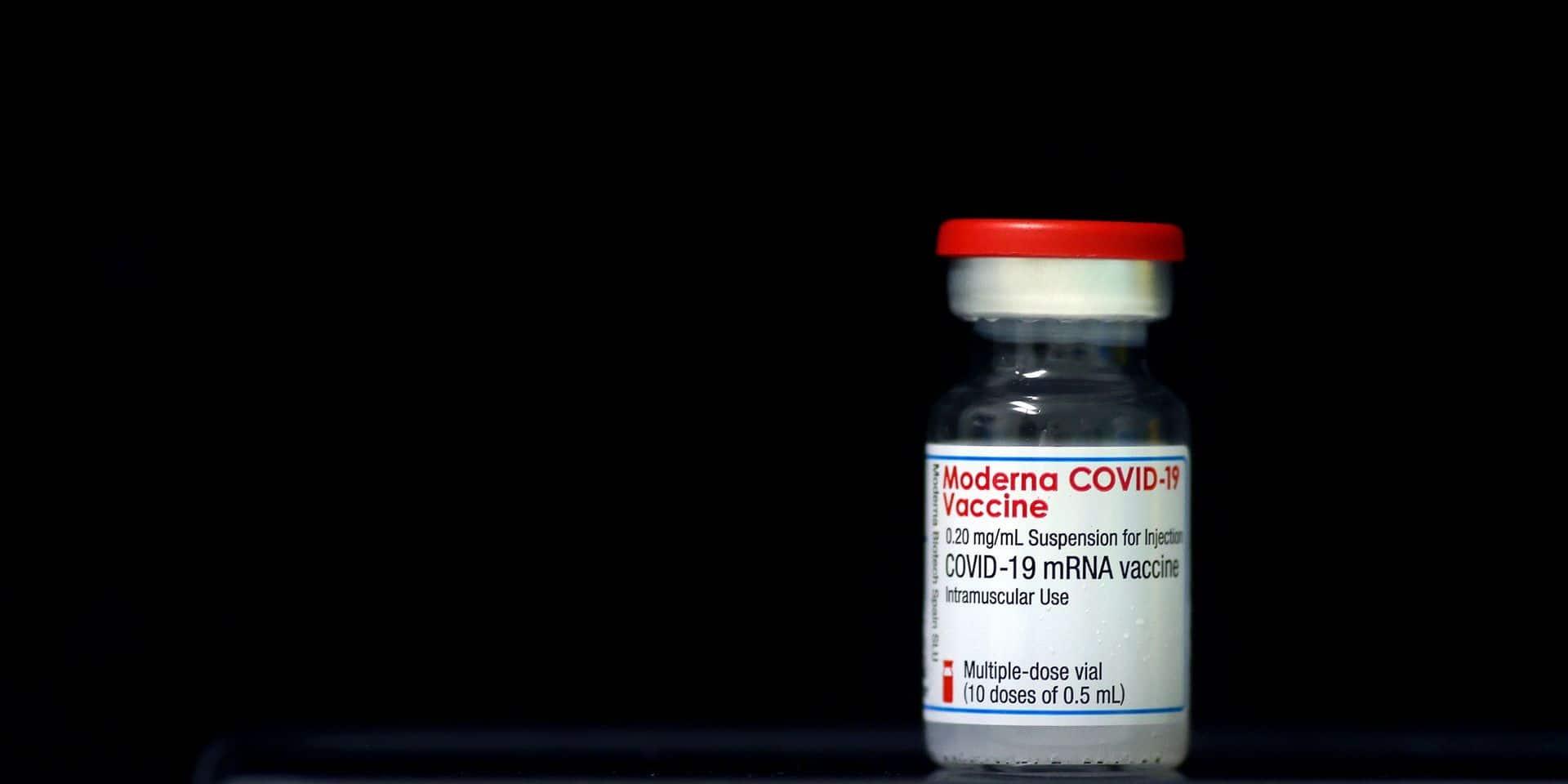 Plus de 2.000 doses du vaccin Moderna transportées à une température trop basse en Suède