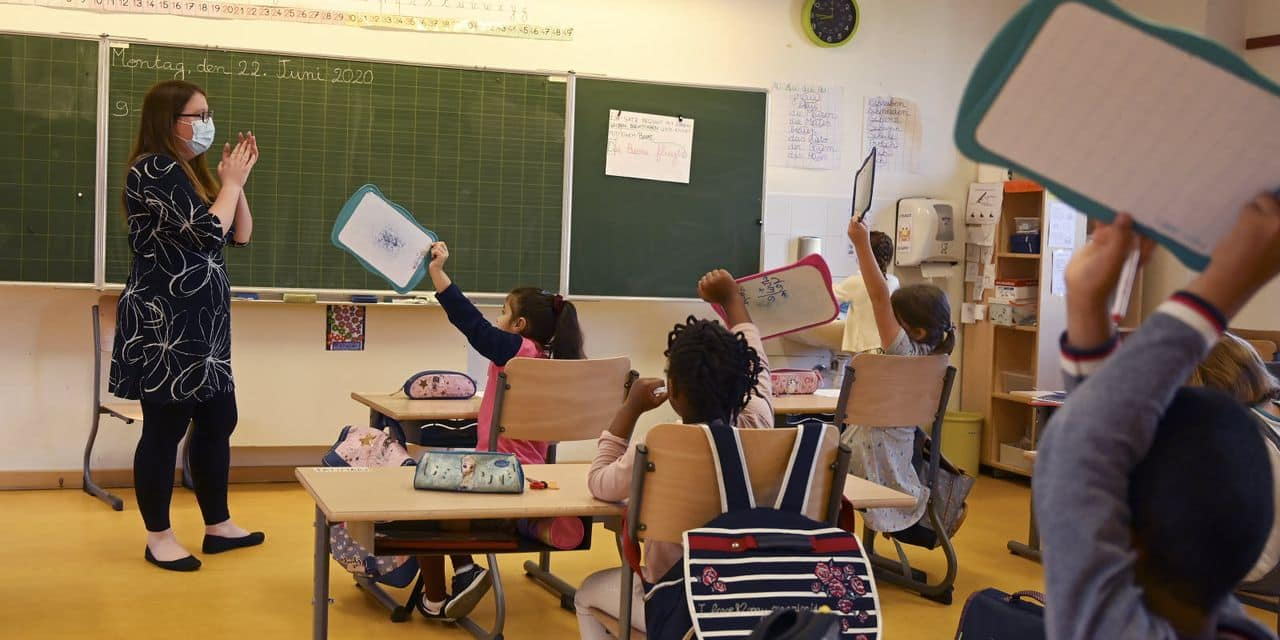 Le nécessaire changement de l'école à travers les yeux des profs précaires