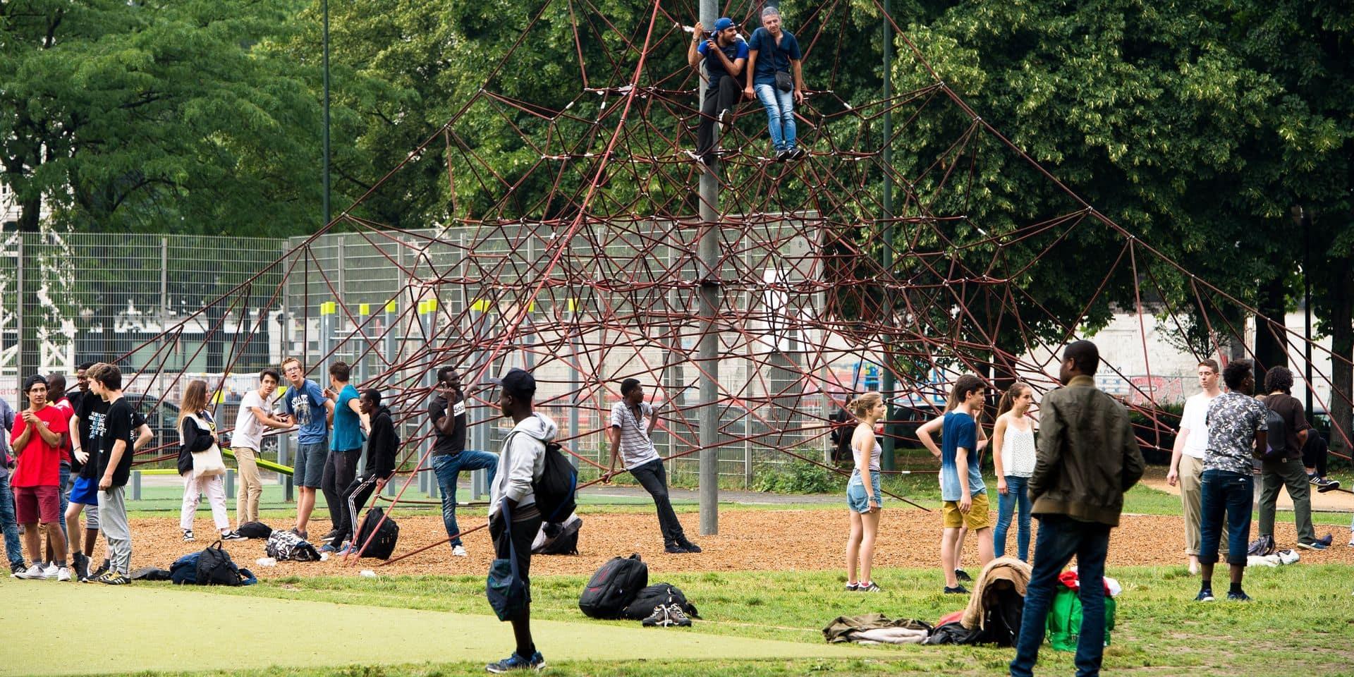 Le gouvernement bruxellois veut ouvrir un centre d'accueil et d'orientation pour les migrants de transit