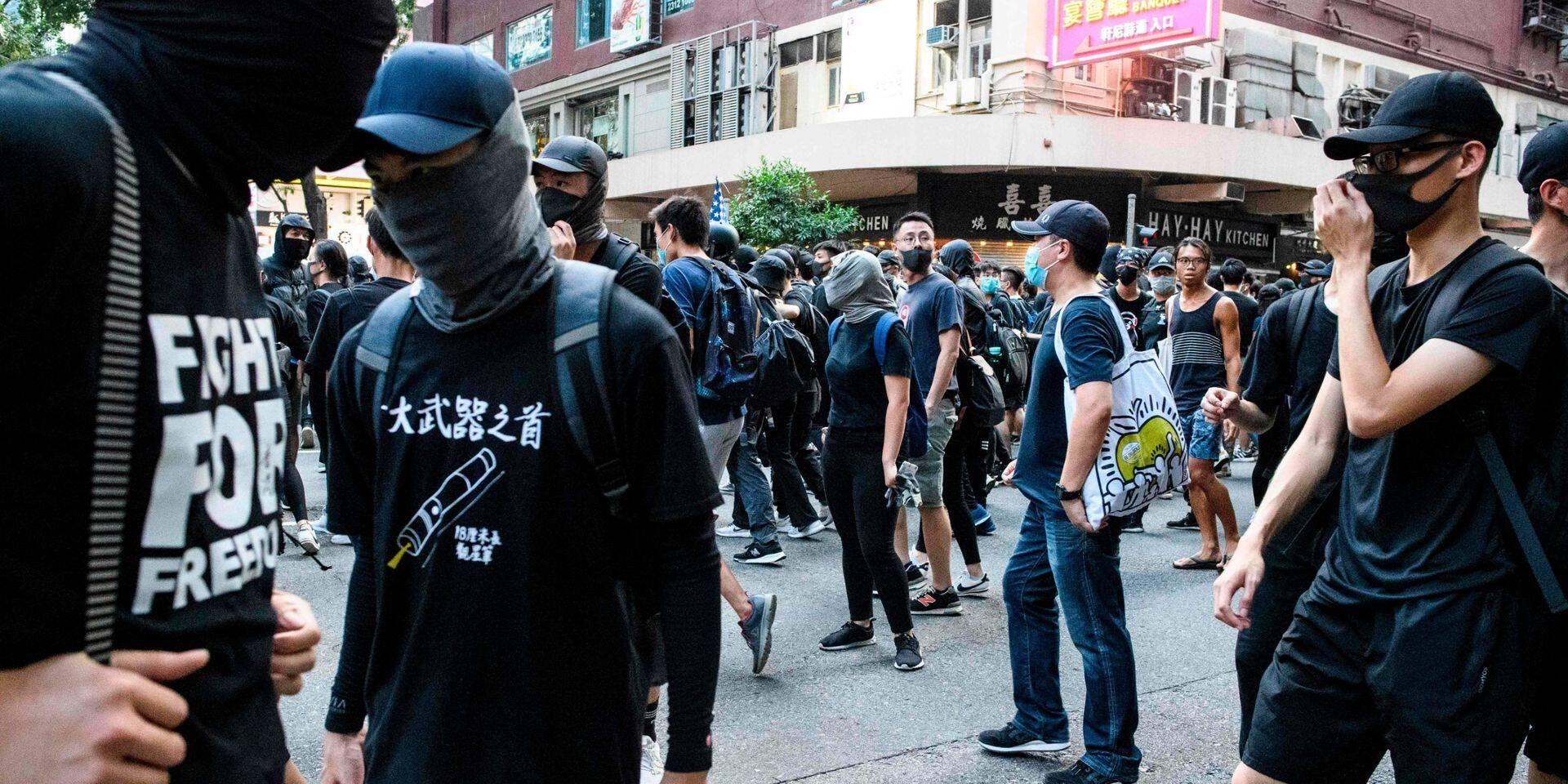 Hong Kong: des milliers de manifestants à nouveau dans la rue malgré l'interdiction