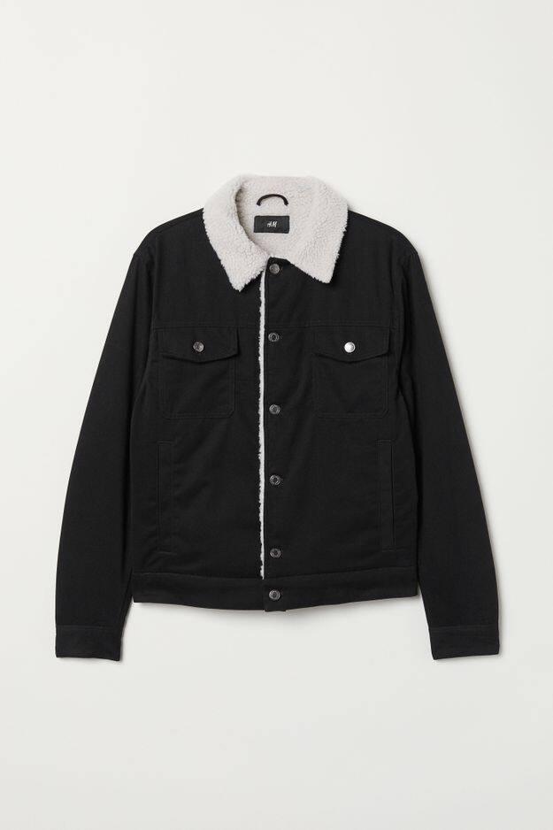 Un blouson fourré:                H&M,                59,99 euros