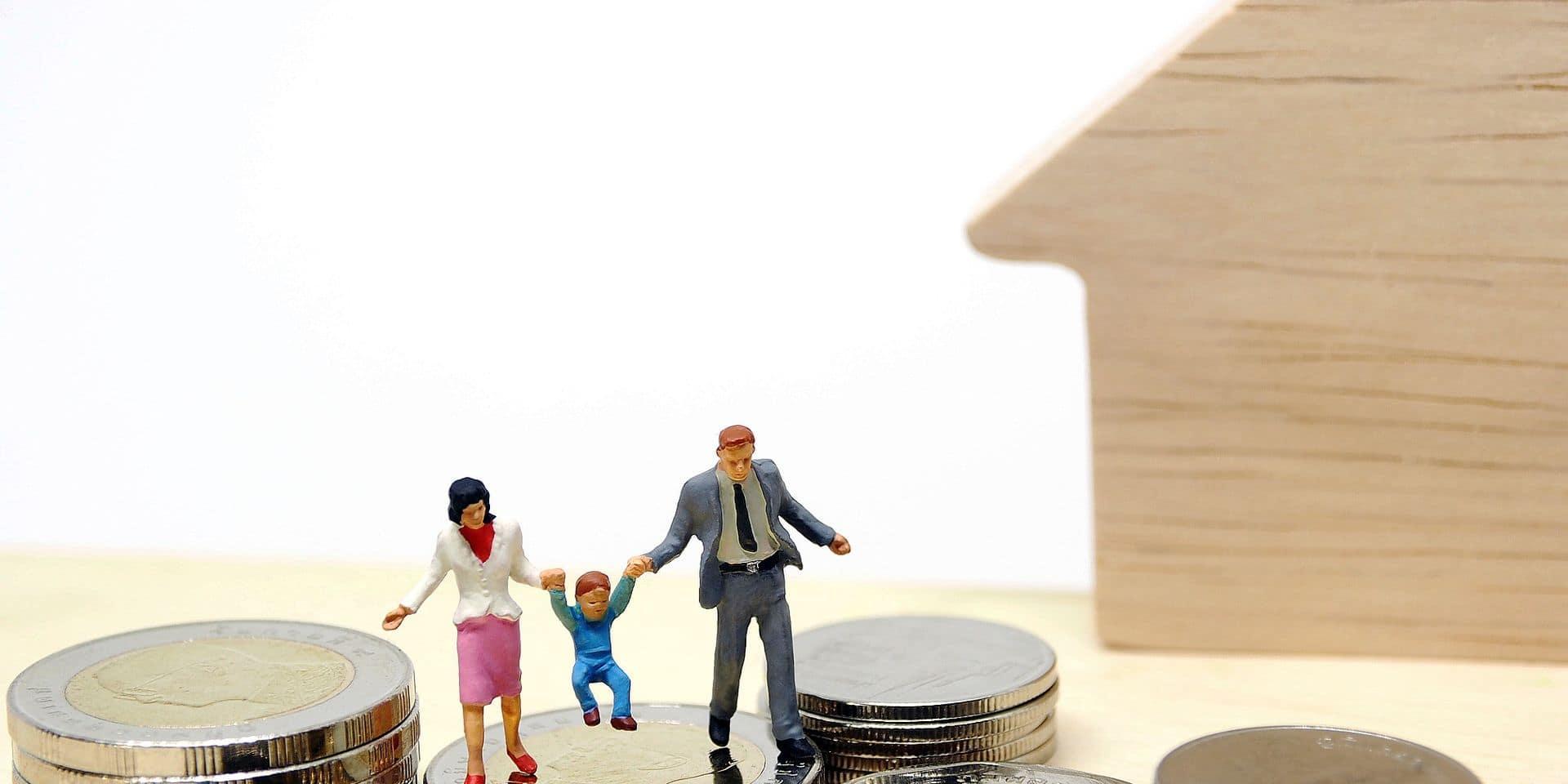 Rentrée scolaire: 74% des parents dépensent plus de 100 euros par enfant