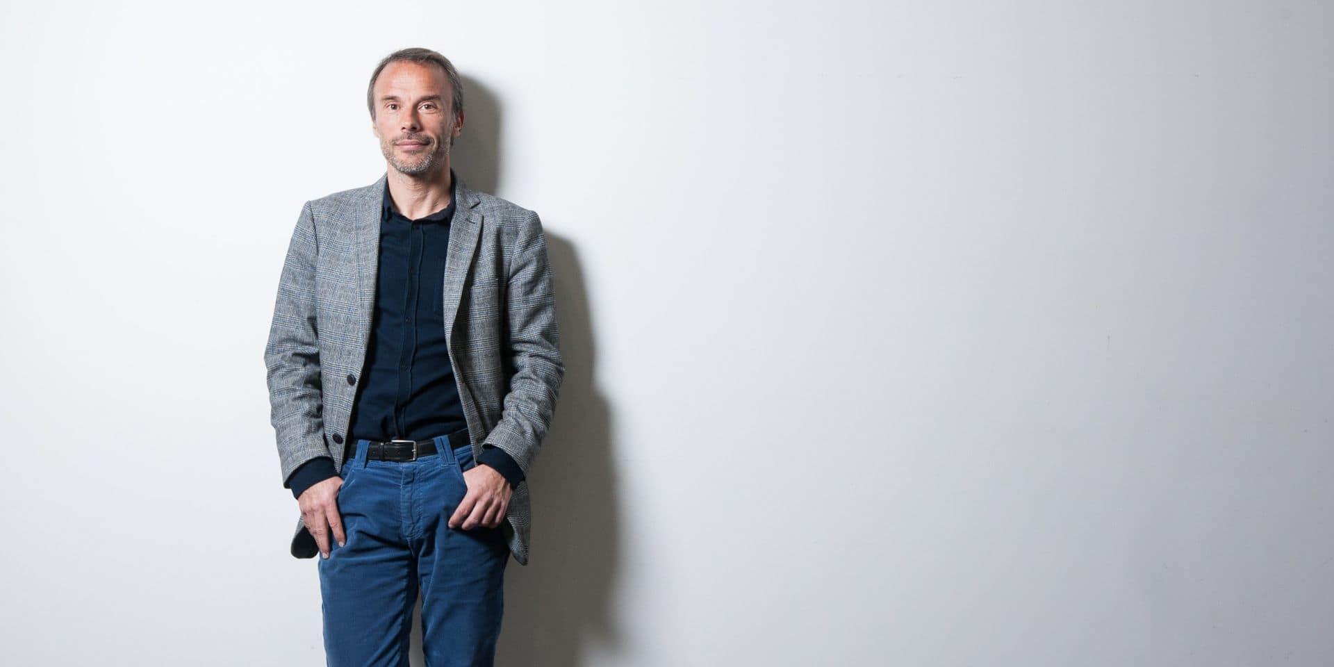 """""""C'est un massacre de masse"""": le philosophe Benoit Frydman dénonce la situation liée au Covid-19 dans les maisons de repos"""