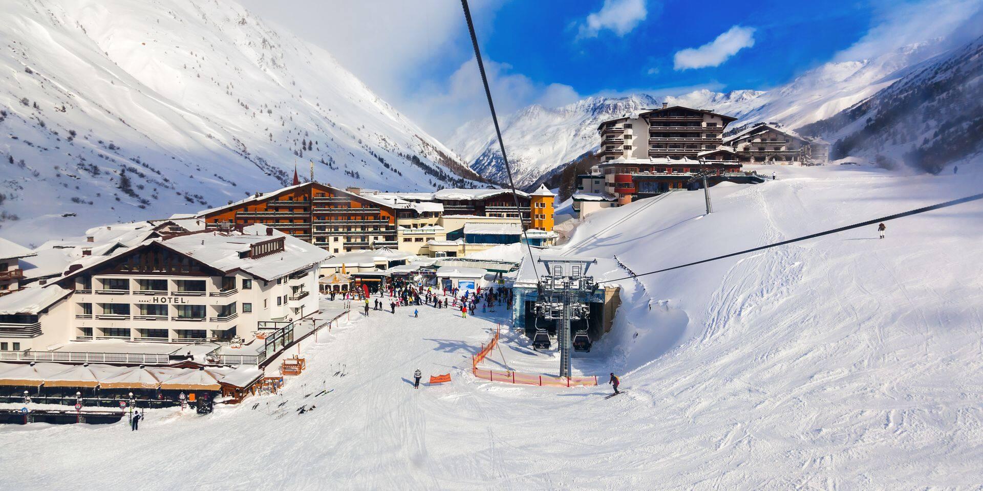 L'Autriche ouvre ses stations de ski, en dépit d'un 3e confinement