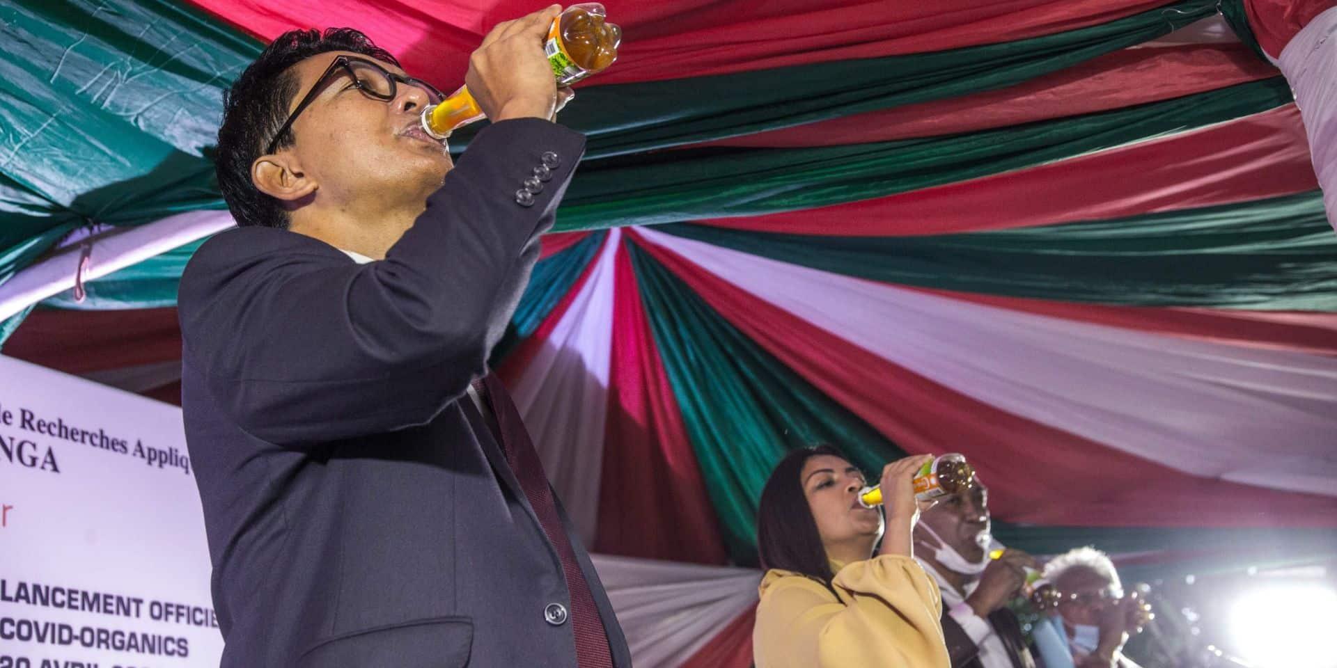 """La Tanzanie reçoit à son tour le """"remède"""" malgache contre le coronavirus"""
