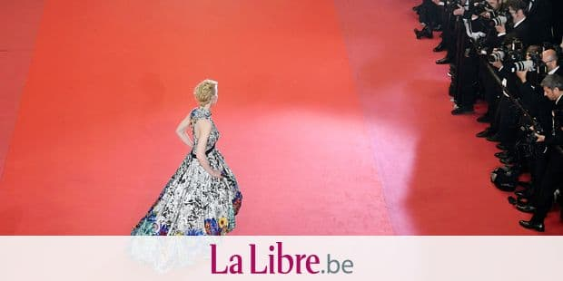 "Australian actress and President of the Jury Cate Blanchett poses as she arrives on May 10, 2018 for the screening of the film ""Cold War (Zimna Wojna)"" at the 71st edition of the Cannes Film Festival in Cannes, southern France. / AFP PHOTO / Antonin THUILLIER"