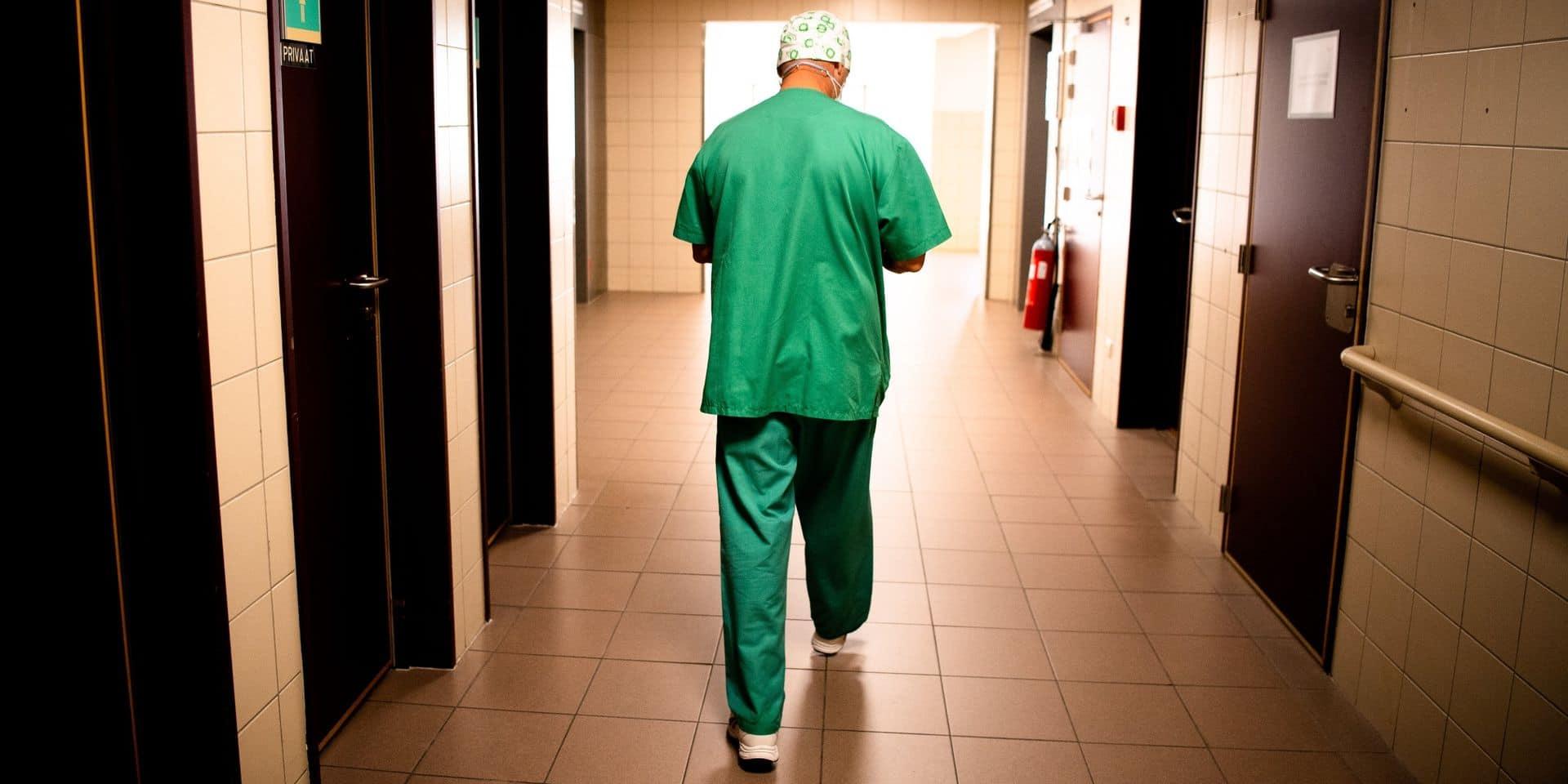 Nombre d'hospitalisations en Belgique: y a-t-il une erreur dans les chiffres ?