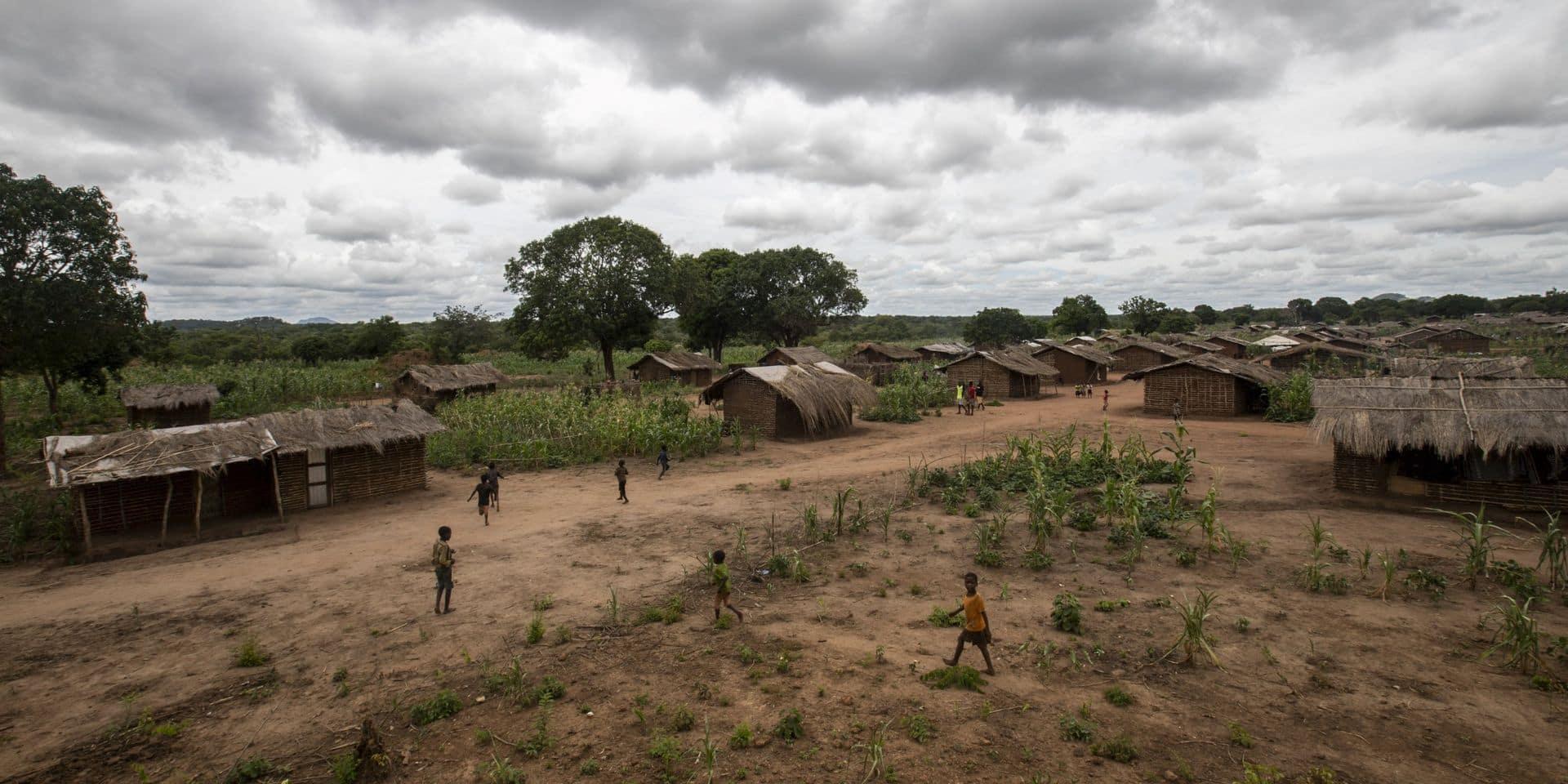 """Au Mozambique, les civils fuient par milliers les violences djihadistes : """"Plus de cent personnes sont portées disparues"""""""