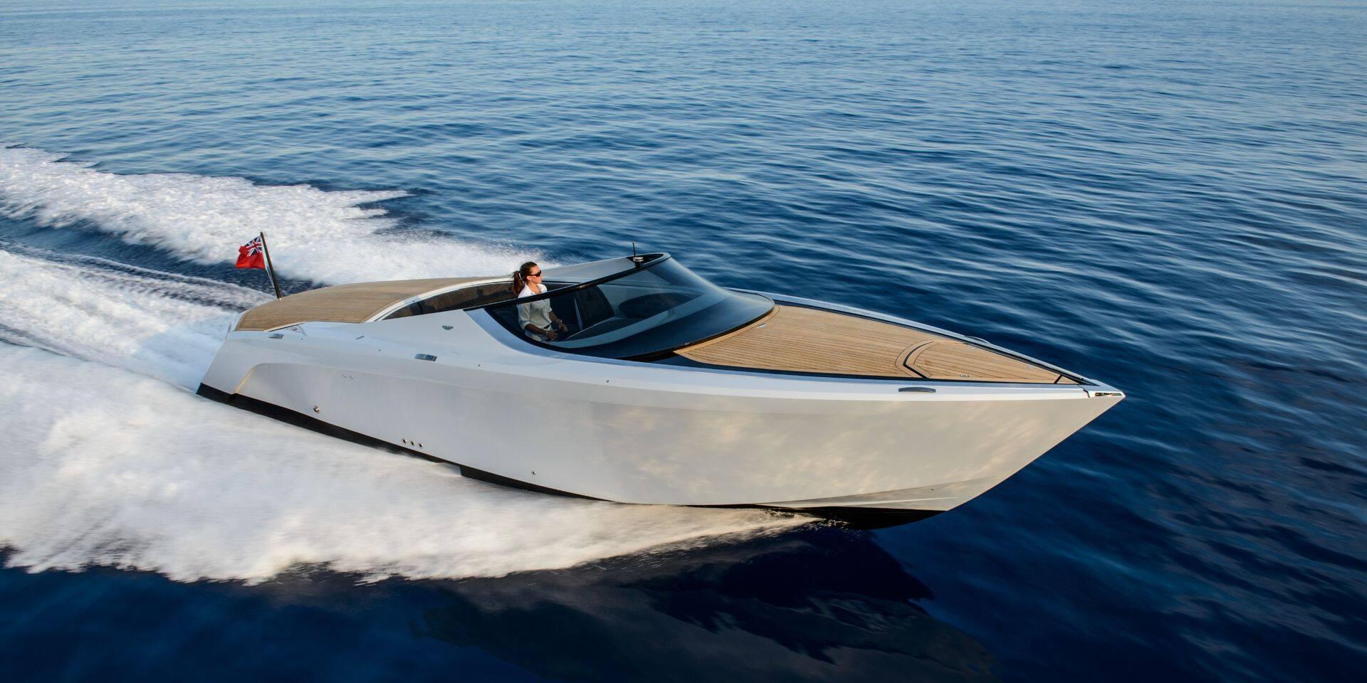 Un bateau à moteur Aston Martin mis en vente aux Pays-Bas pour la modique somme de 100 000 euros