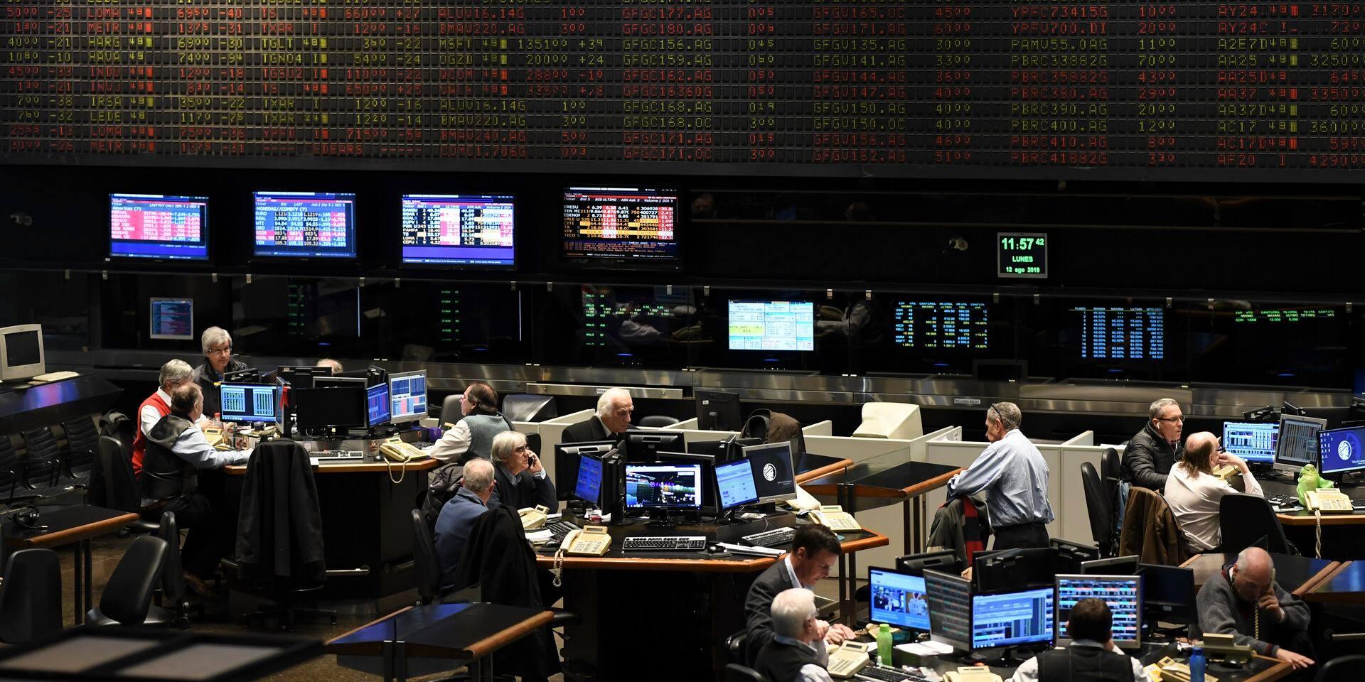 Argentine: la Bourse chute de 30% après le revers de Macri aux primaires