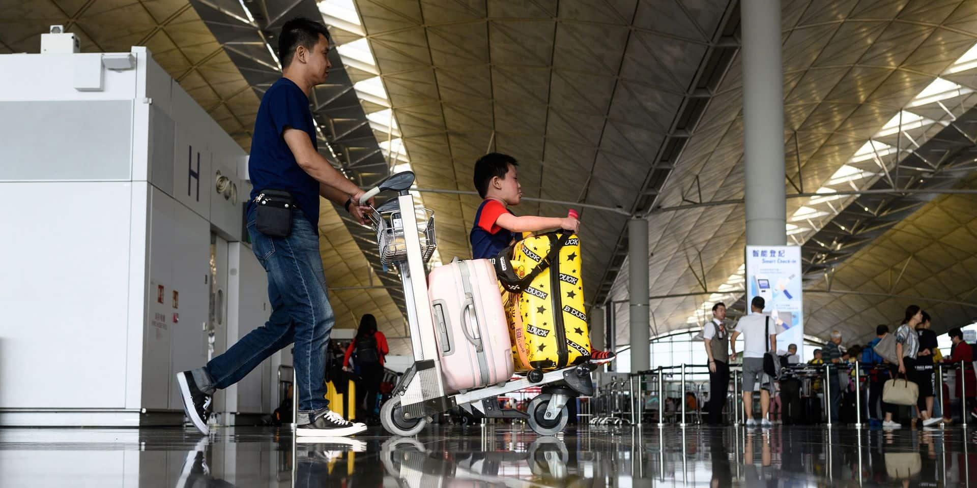 Hong Kong: le trafic redémarre à l'aéroport après les manifestations d'hier