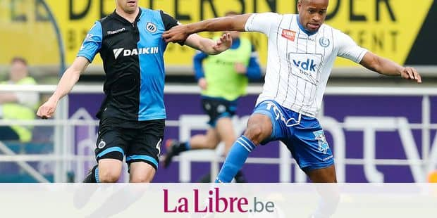 Club's Brandon Mechele and Gent's Rangelo Janga fight for the ball during the Jupiler Pro League match between KAA Gent and Club Brugge KV, in Gent, Sunday 08 April 2018, on day two of the Play-Off 1 of the Belgian soccer championship. BELGA PHOTO BRUNO FAHY
